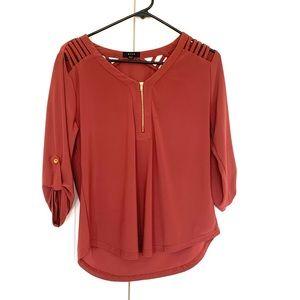 💕 Mine burnt orange blouse